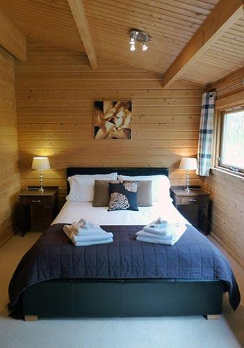 Bulrush double bedroom at Dacre Park, Brandesburton