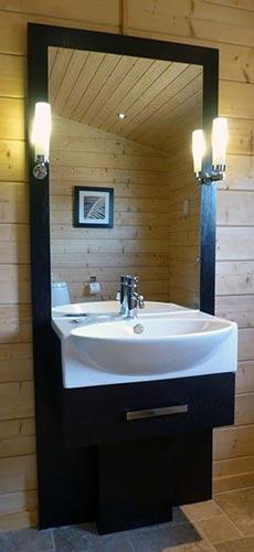 Dragonfly bathroom at Dacre Park, Brandesburton